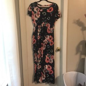 Floral Maxi! Size large!